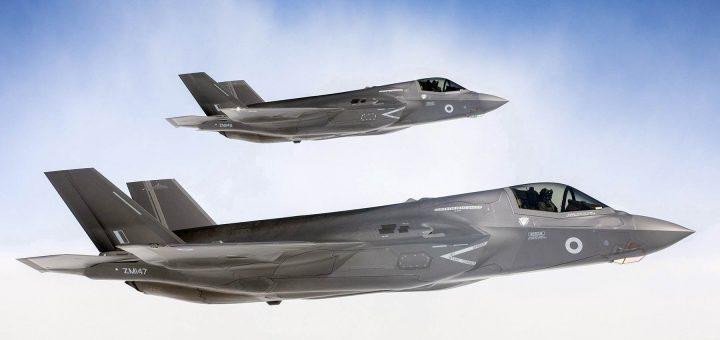 İngiltere'nin Kıbrıs'taki Akrotiri hava üssüne konuşlandırdığı F-35 savaş uçakları
