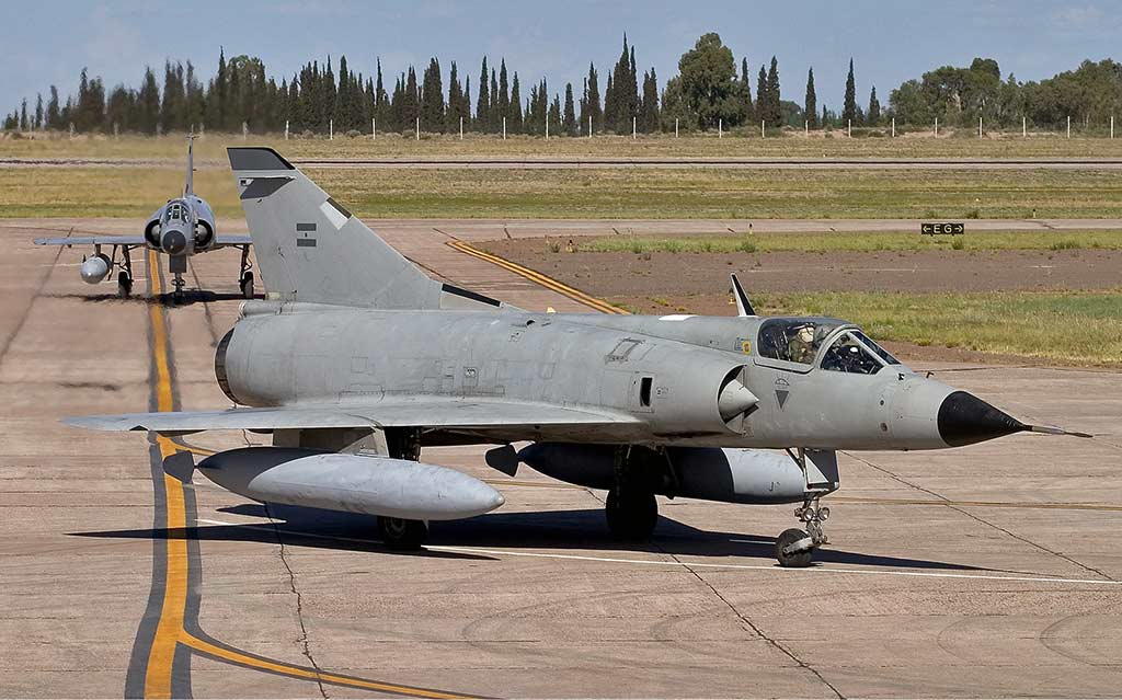Argentina Air Force Dassault Mirage IIIEA in November 2005 (Photo by Chris Lofting - www.airliners.net)