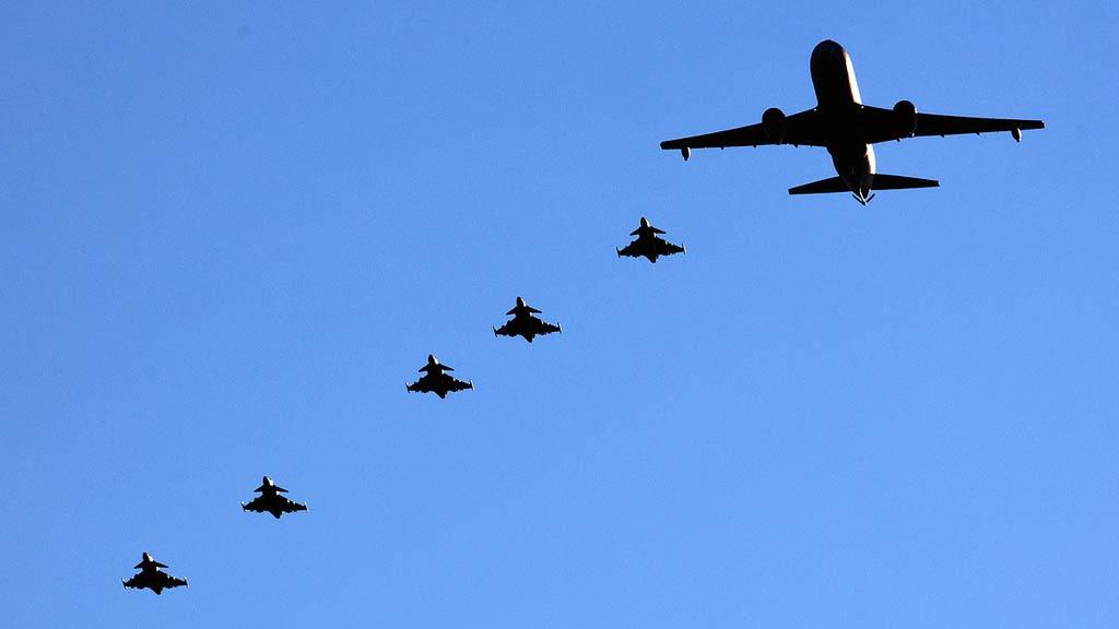 Czech Air Force JAS-39A Gripens formation (Photo by Eggert Norðdahl)