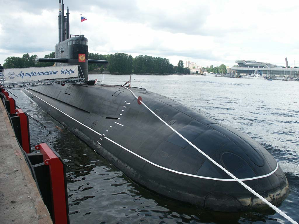 Russian Project 677 Lada-class Submarine (Photo by masterok.livejournal.com)
