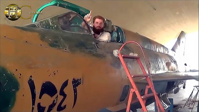 Syrian Tabaqa Airbase Showing MiG-21MF Fishbed-J Fighter Jets Captured by ISIS (01.09.2014)