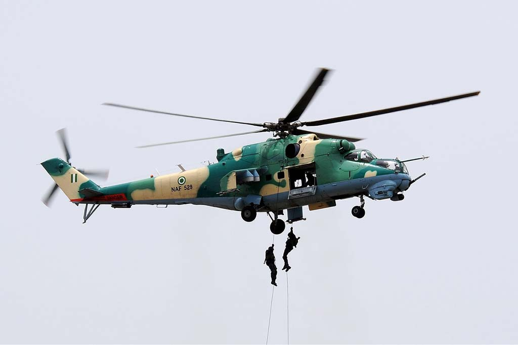 Nigerian Air Force Mil Mi-24V Hind-F NAF529 (Photo by airliners.net)