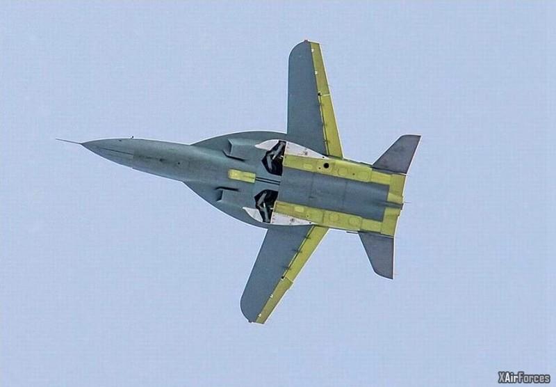 Russian SR-10 New Fighter Plane