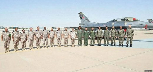 Turkish Air Force F-16D with personnel