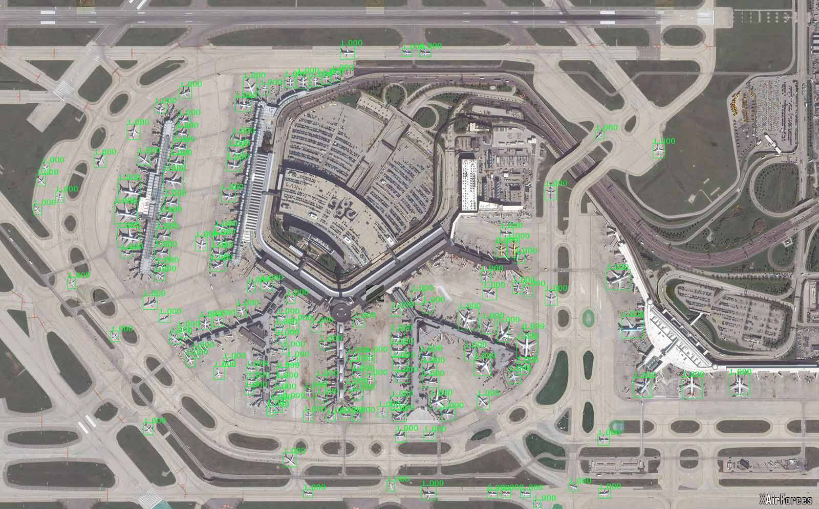US Large airplanes automatically identified at Chicago's O'Hare Airport