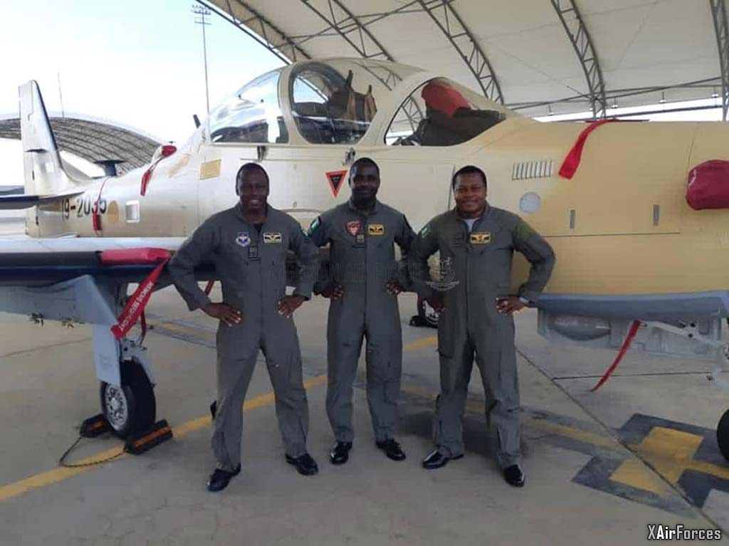 Nigerian Air Force A-29 Super Tucano (19-2035) with pilots, 30 November 2020